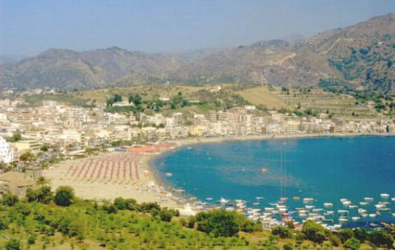 Találjon vonatjáratot Catania - Giardini Naxos között, Giardini naxos to taormina distance
