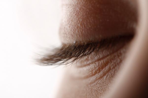 Hogyan lehet eltávolítani a papillómát a szemhéjról. Így irtható ki a szemölcs - EgészségKalauz