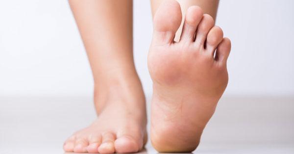 szemölcs gyalog a lábujjak között